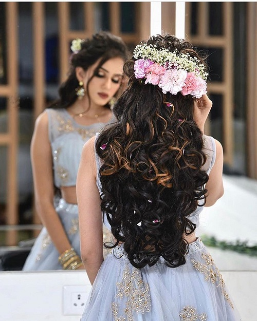 51+ Curly Hairstyle For Brides That Are Perfect To Flaunt At Big-Fat Indian Weddings!