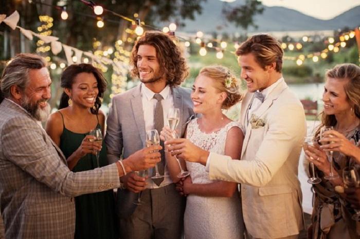 identify wedding crasher
