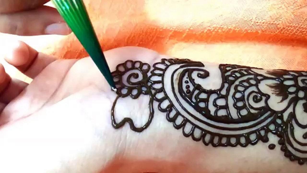 Mehandi Artist Are Punctual