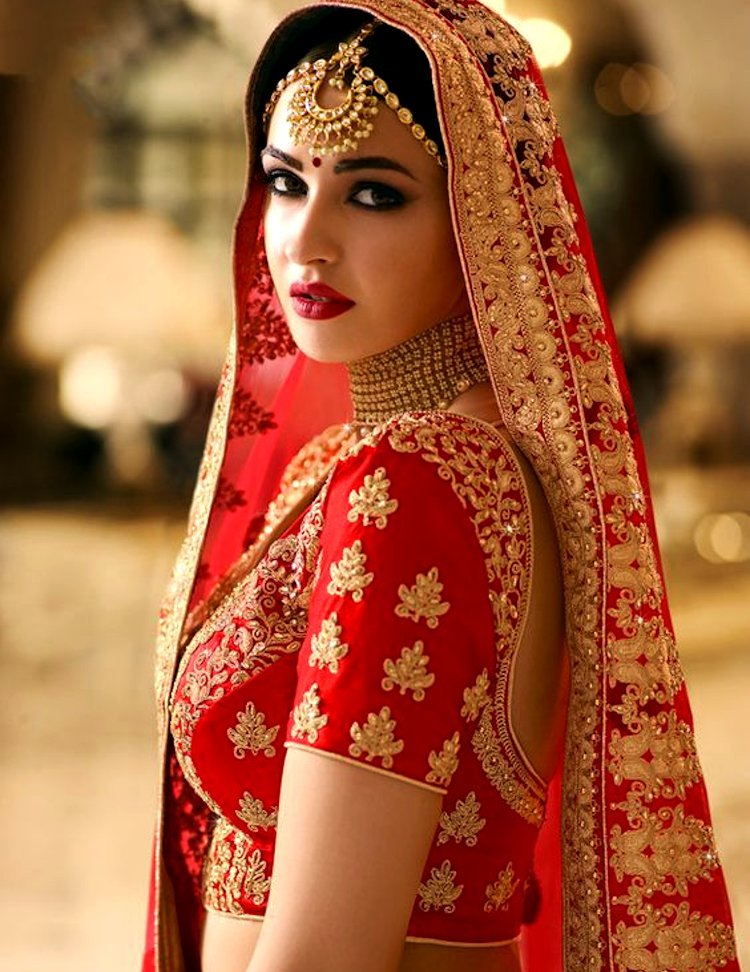 Indian Bride Maang Tikka Jewelery