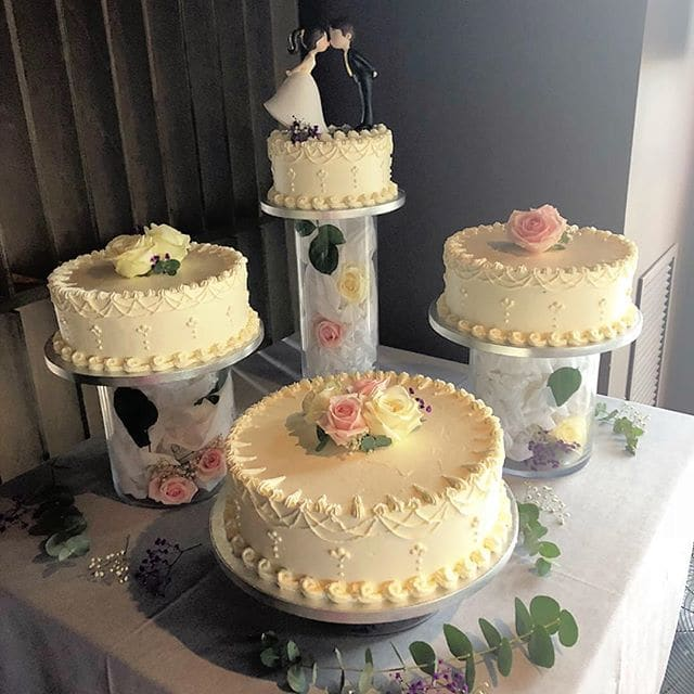 wedding cakes pictures simple