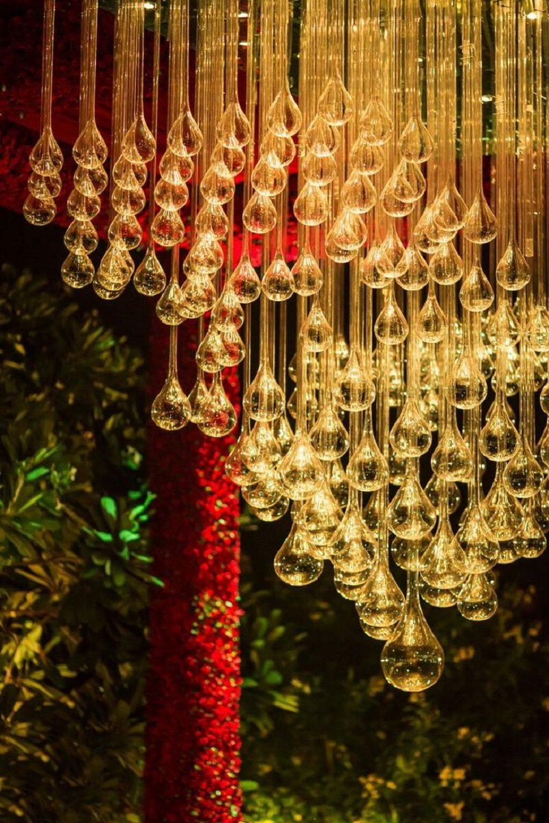 Uncomparable Bulb Décor wedding decor ideas