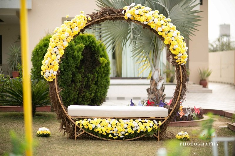 Round Splendid Photobooth wedding decor ideas