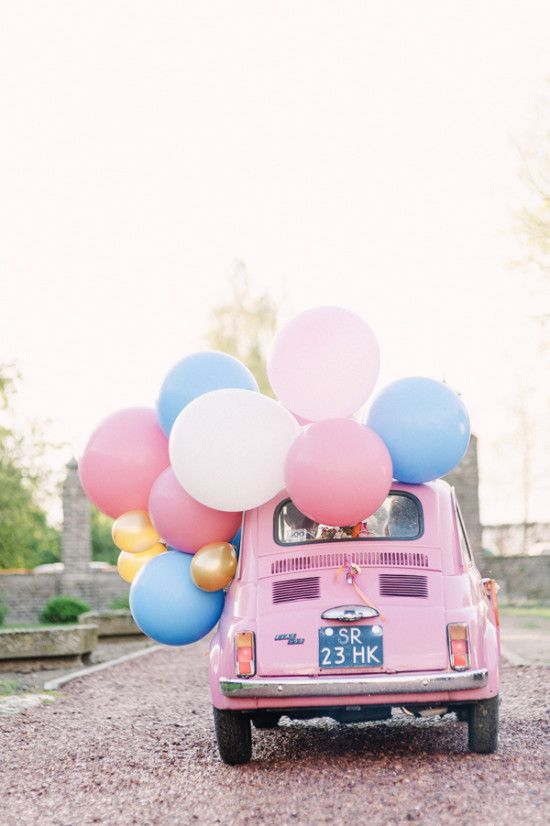 wedding car decoration with balloon