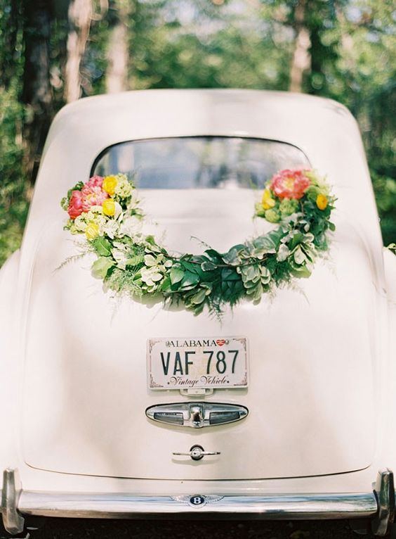 wedding car decoration with garland