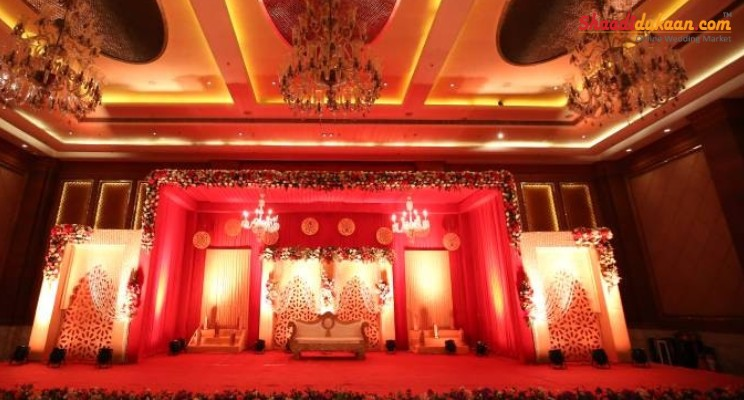 lassic themed wedding stage decoration ideas