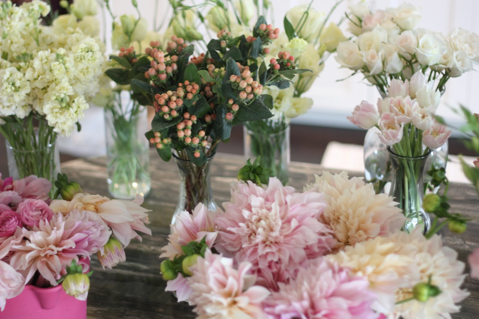 Dahlias Floral Decoration Ideas