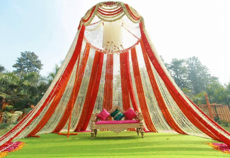 best stage decoration theme for wedding