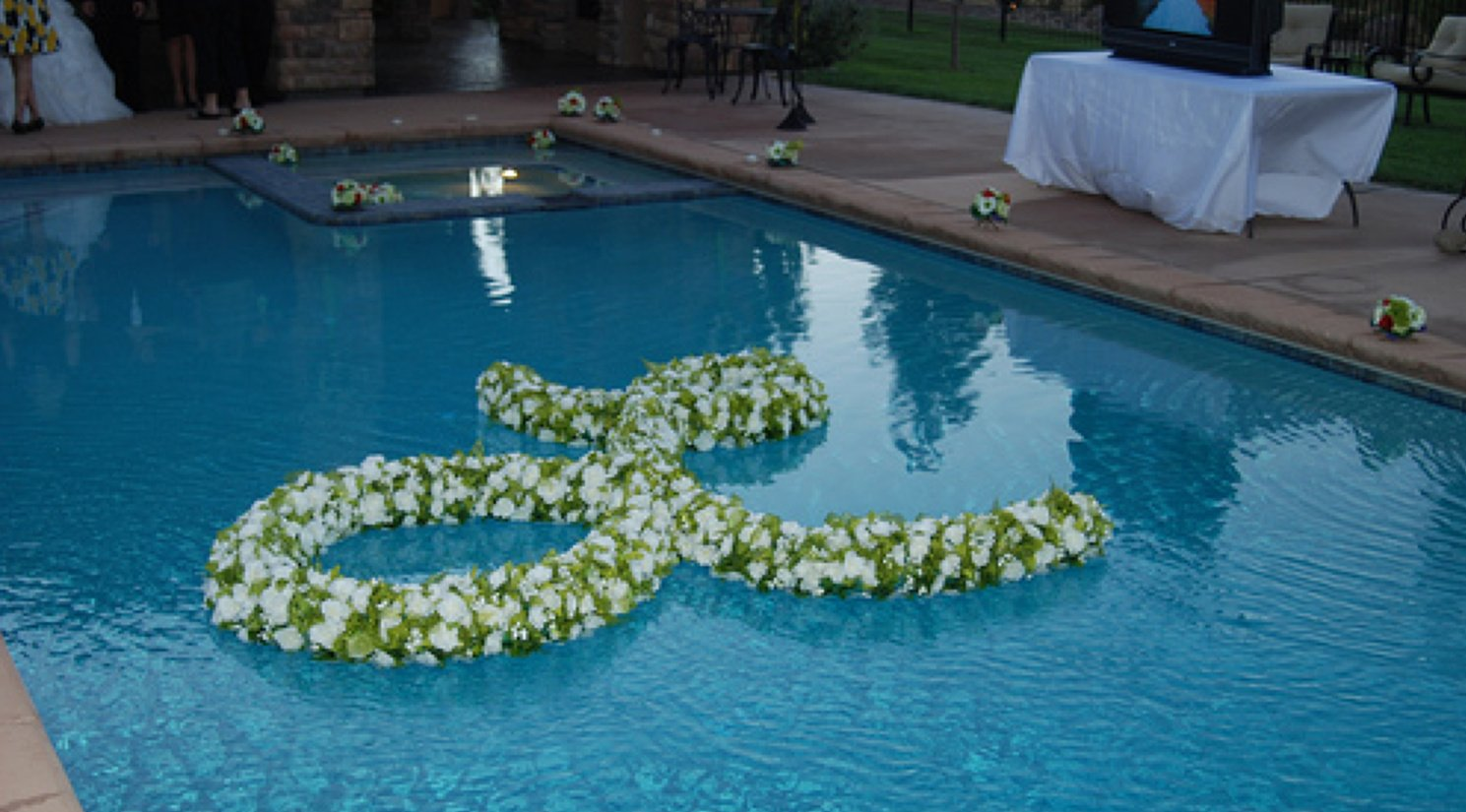 floating flowers decoration ideas