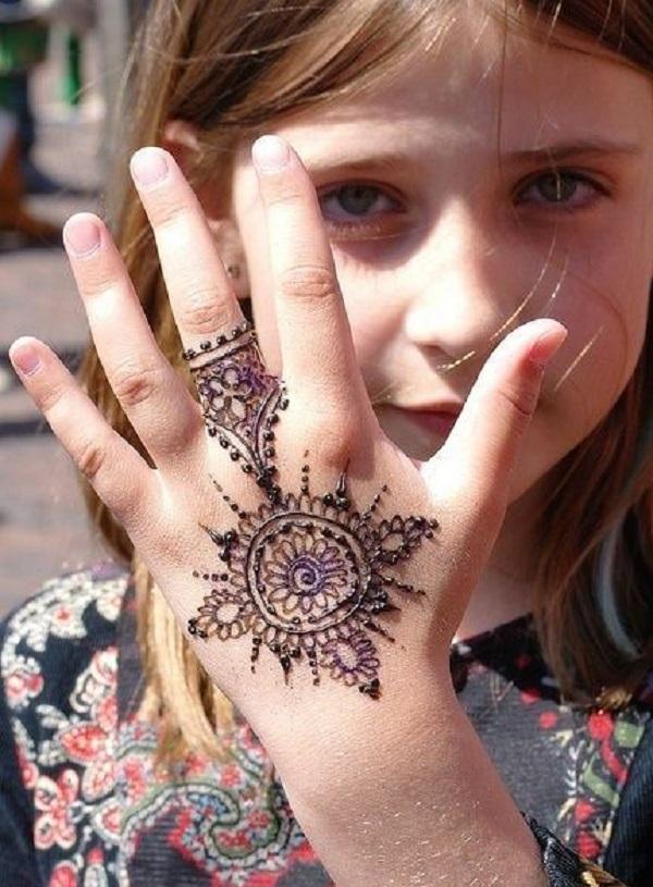 glitter mehndi design for child