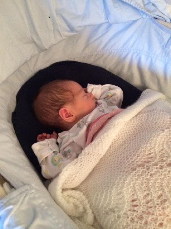 baby sleeping photoshoot
