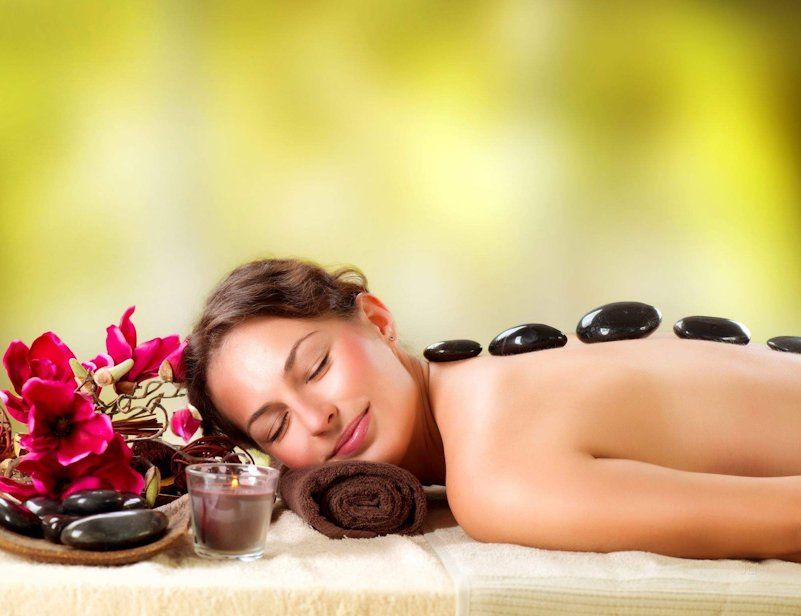 Book A Refreshing Spa Session for Her