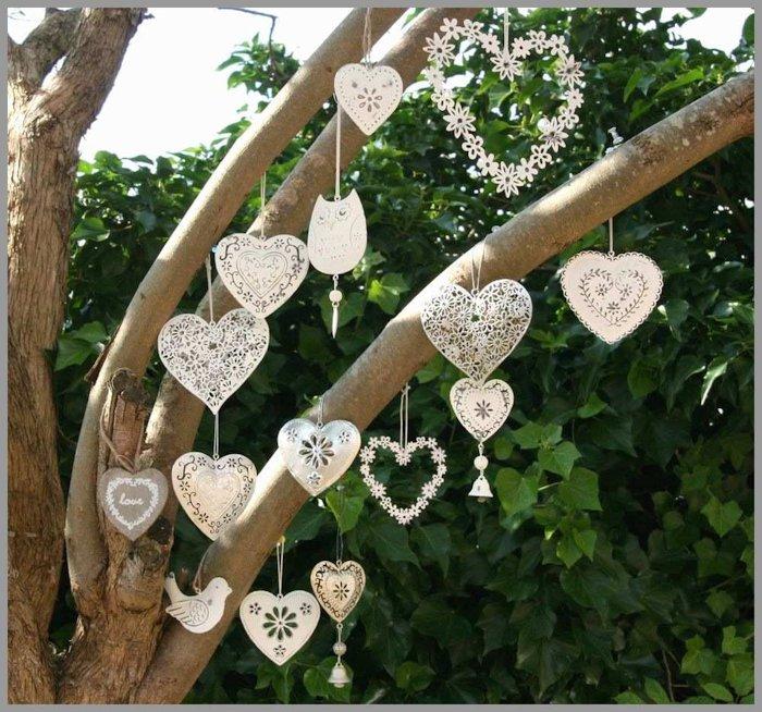 Heart shaped strung garlands for wedding décor