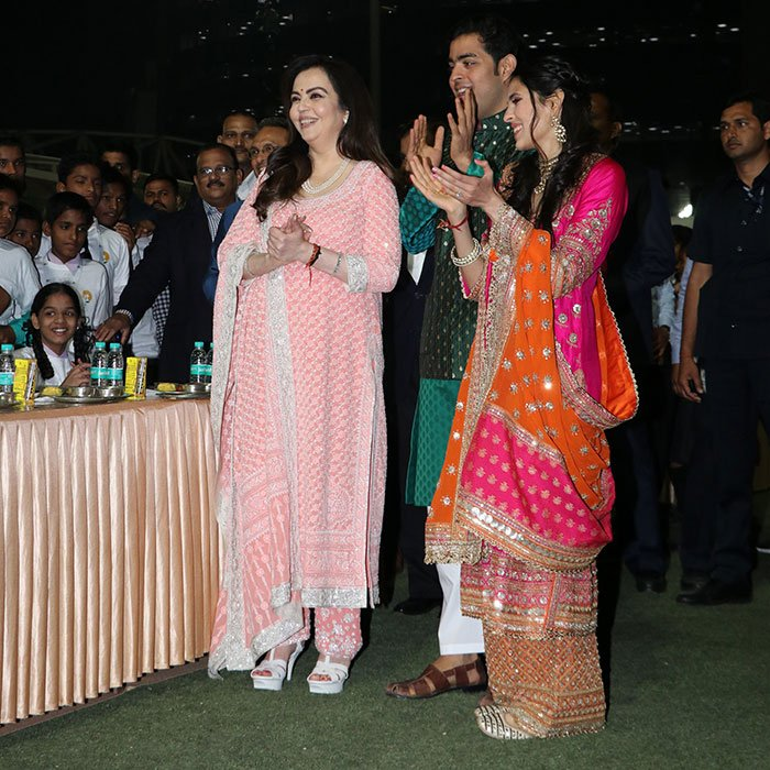 anna seva at akash ambani sangeet function