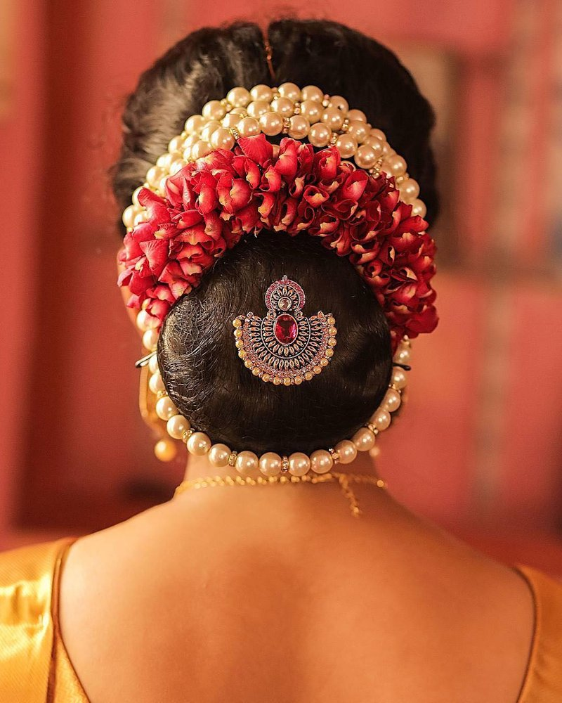 gajra hairstyle for bridal