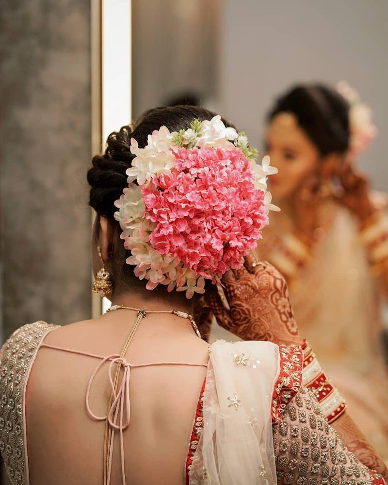 wedding gajra hairstyle for bridal