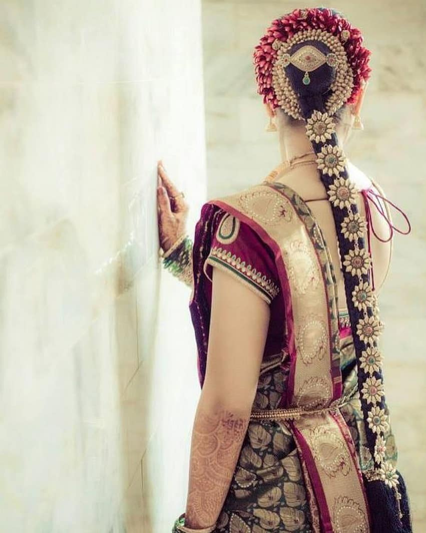 bridal gajra hairstyle