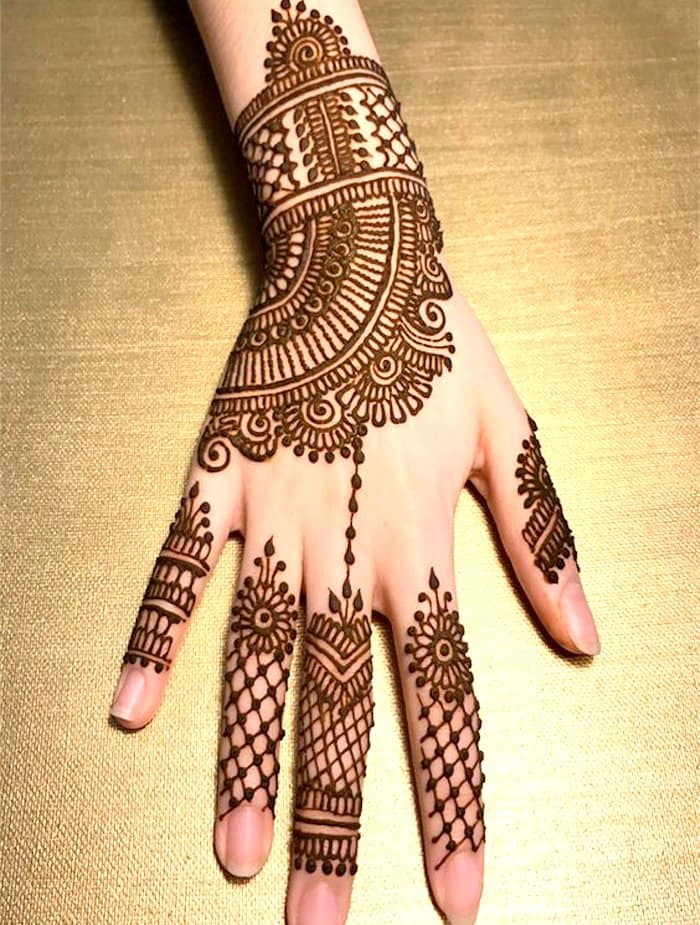 henna mehndi designs back hand