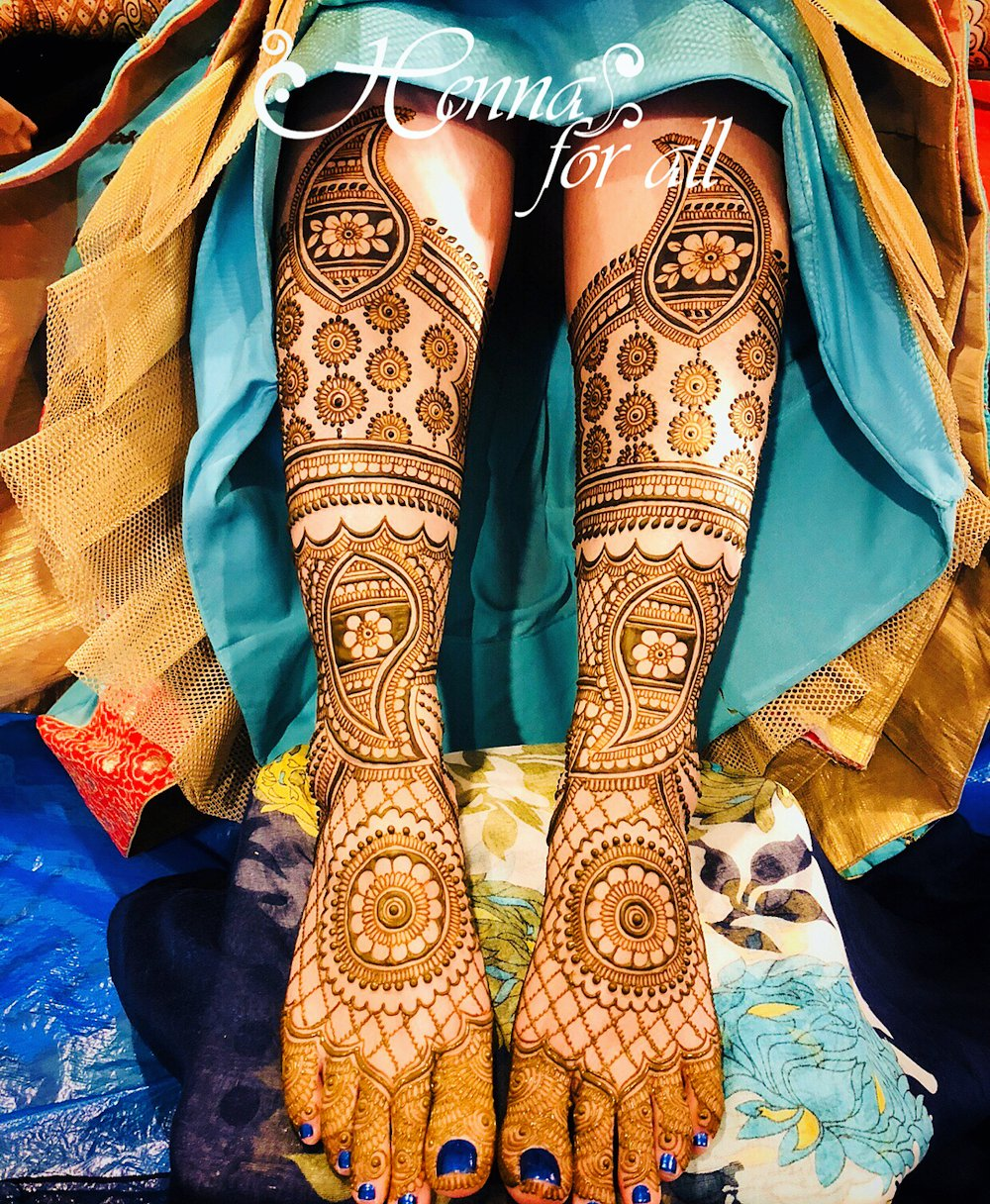 Full Leg Dulhan Mehndi Design