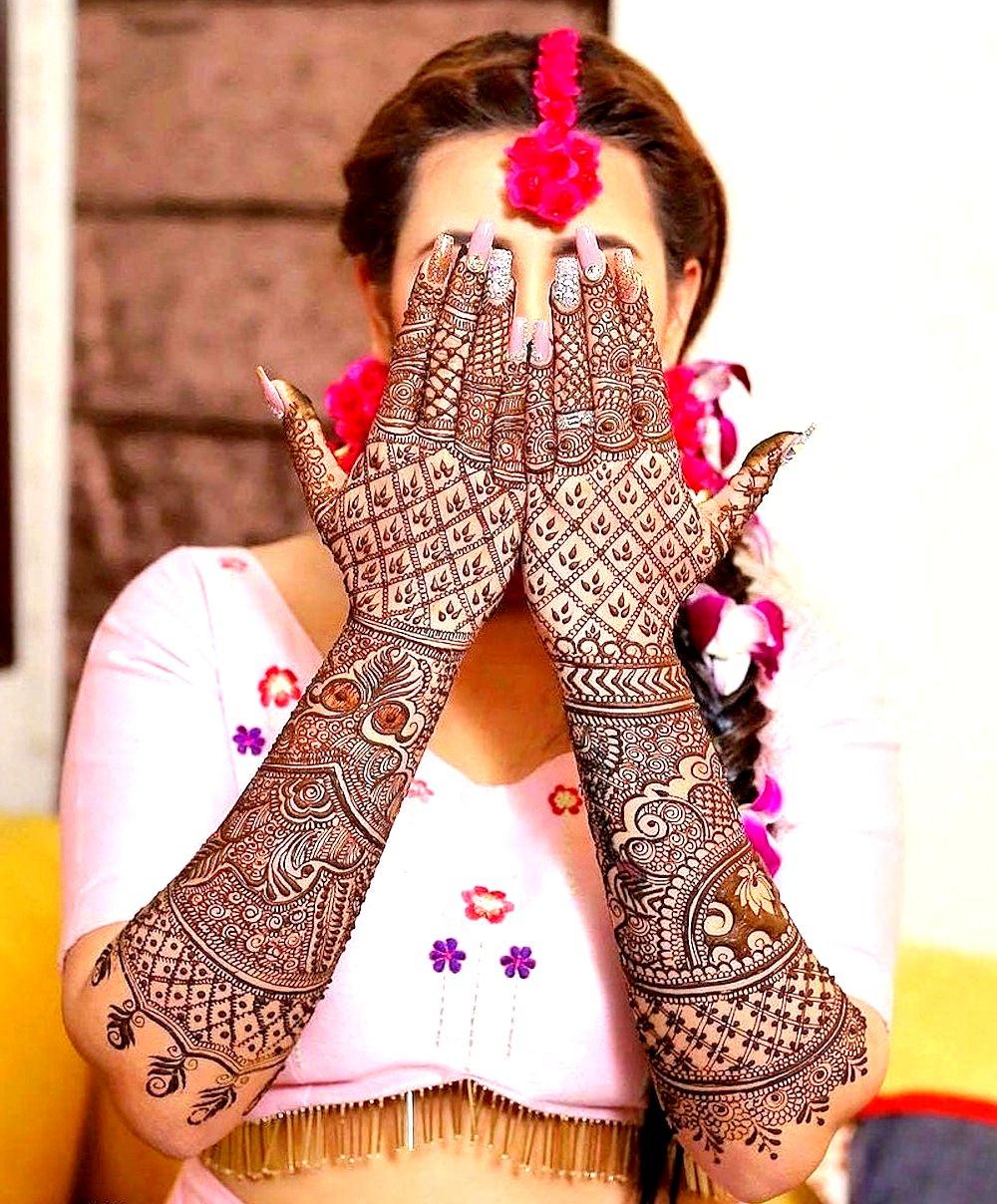 Intricate Bridal Mehndi Design