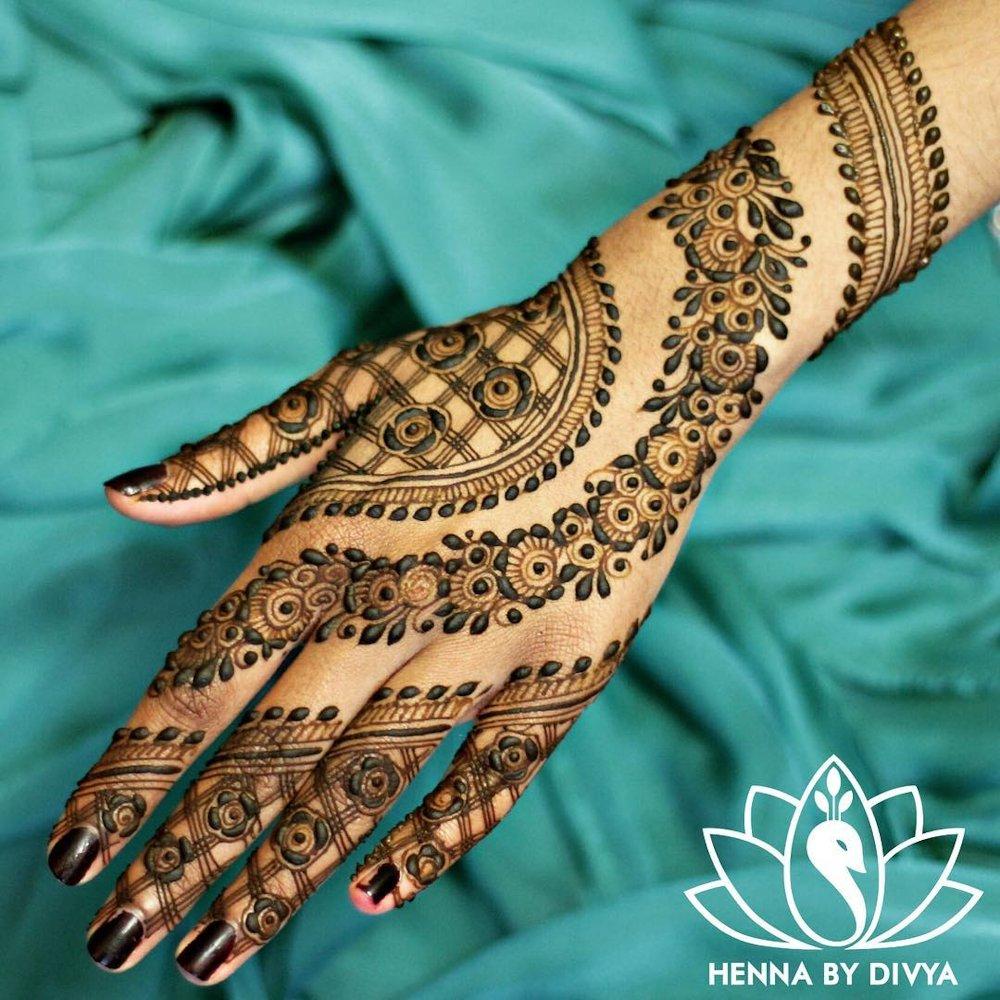 Multi-Layered Bridal Mehndi Design