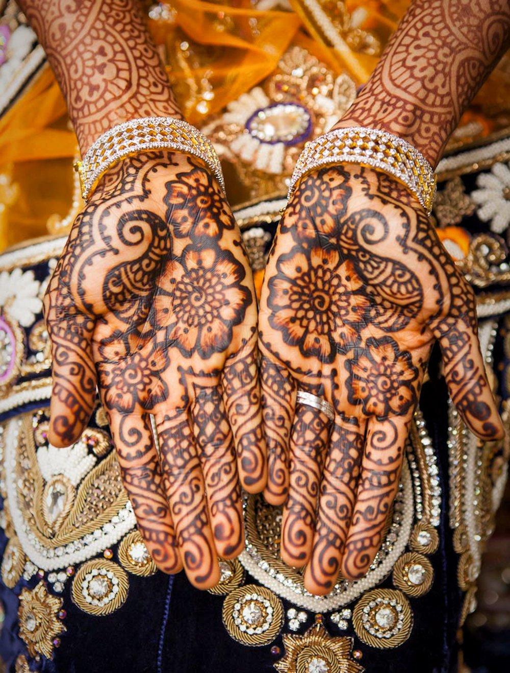 Rajasthani Mehandi Design with Paisley Patterns