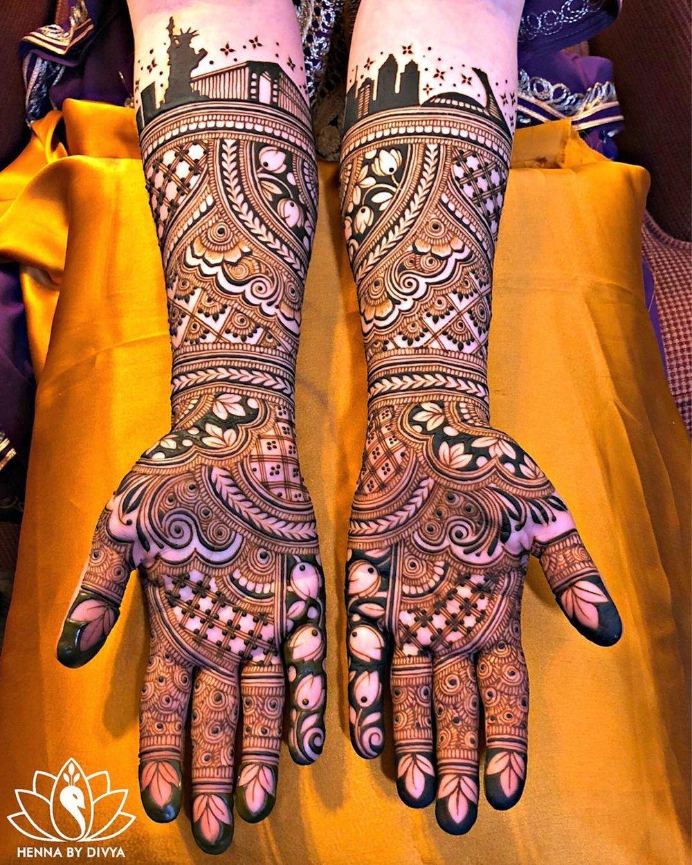 Symmetrical Dulhan Mehndi Design Full Hands