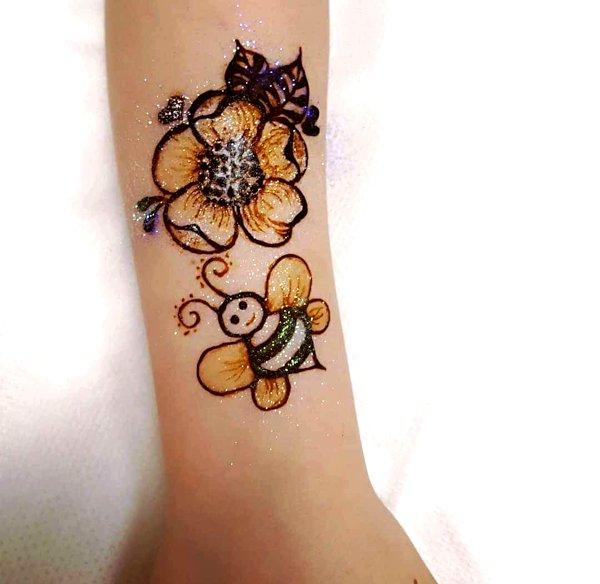 color Flower mehandi Designs for kids