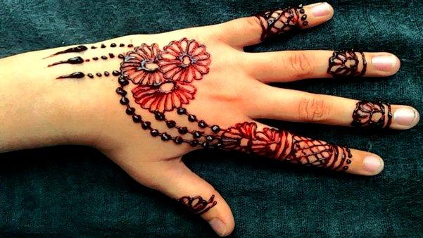 Flower colour mehandi Designs for kids