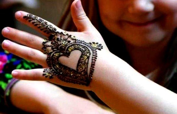 beautiful heart mehandi designs for kids