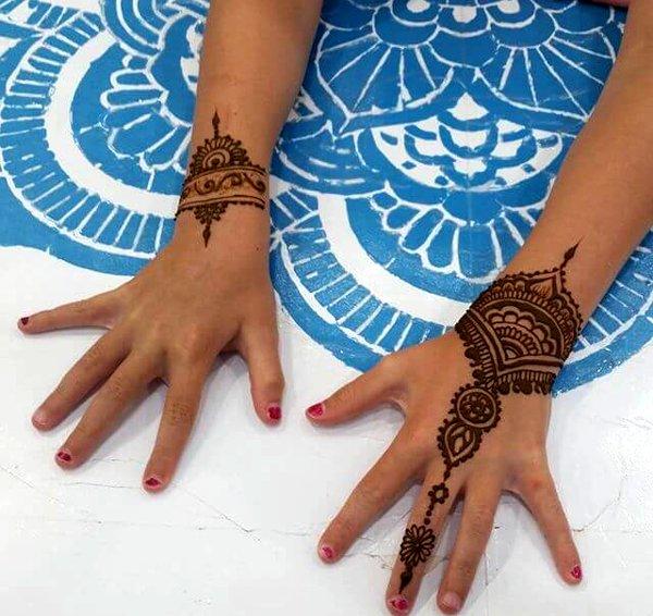 Simple Mehndi Designs images