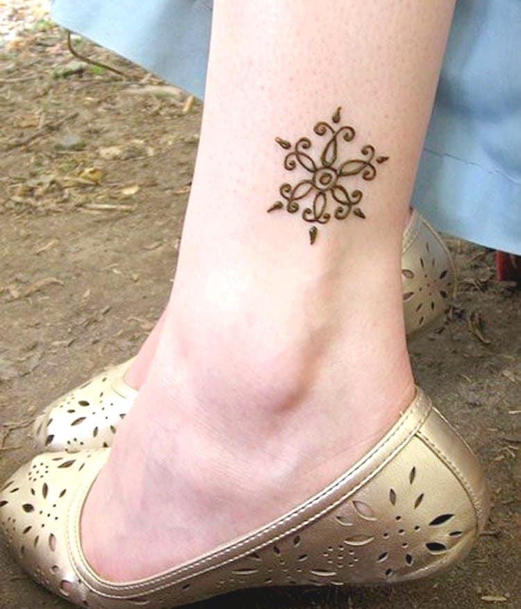 Anklet mehndi designs for legs