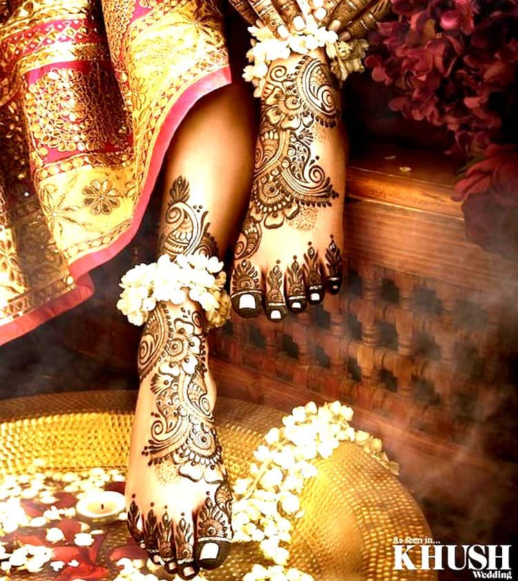 Floral mehndi designs for Foot
