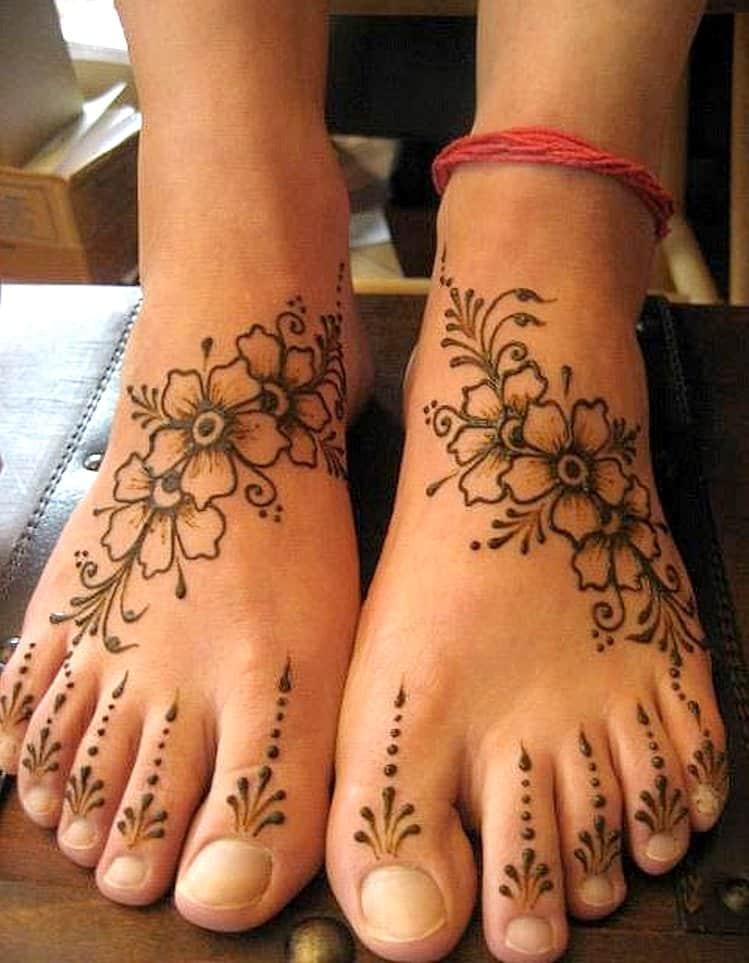 Floral leg mehndi designs for bridal