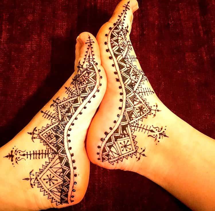 Geometric mehndi designs for legs