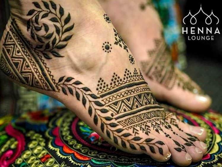 Geometric Foot mehandi design