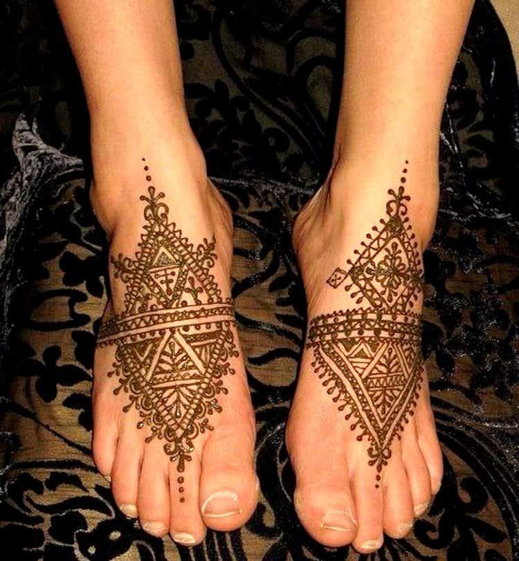 Geometric mehndi designs Foot