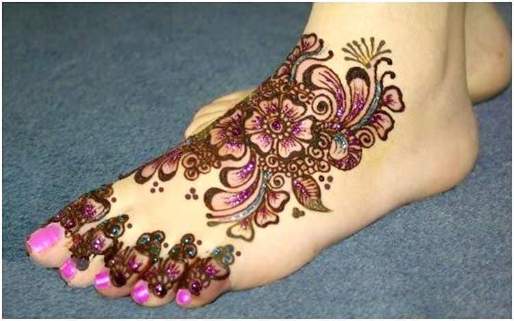 Glitter mehandi designs for Foot