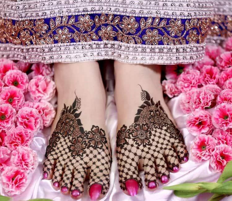Net mehndi designs for legs