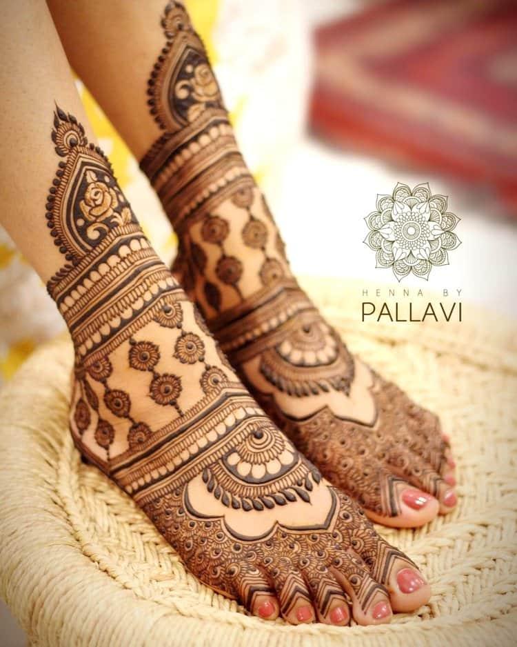 Lotus Motif mehndi designs for Feet