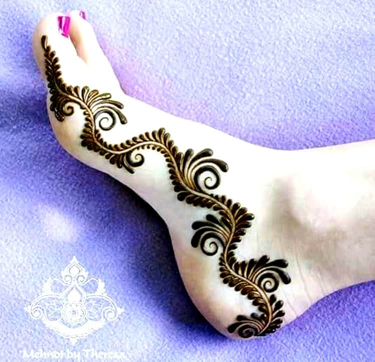 Side mehndi designs for foot