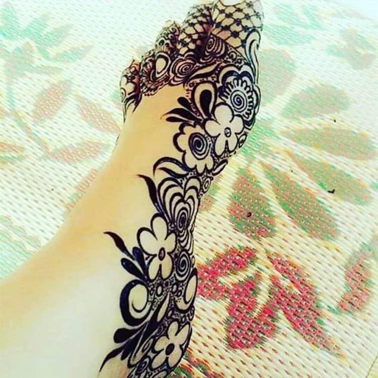 Side feet mehndi design