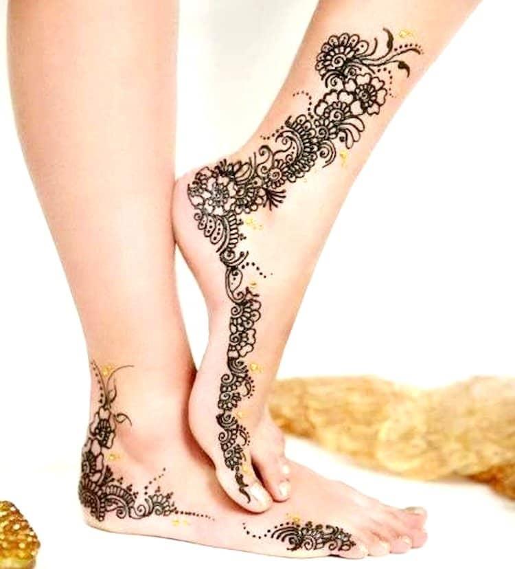 Side mehndi designs for leg