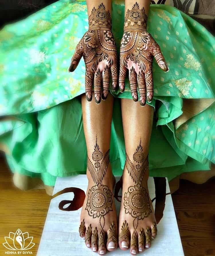 Simple mehendi designs for leg