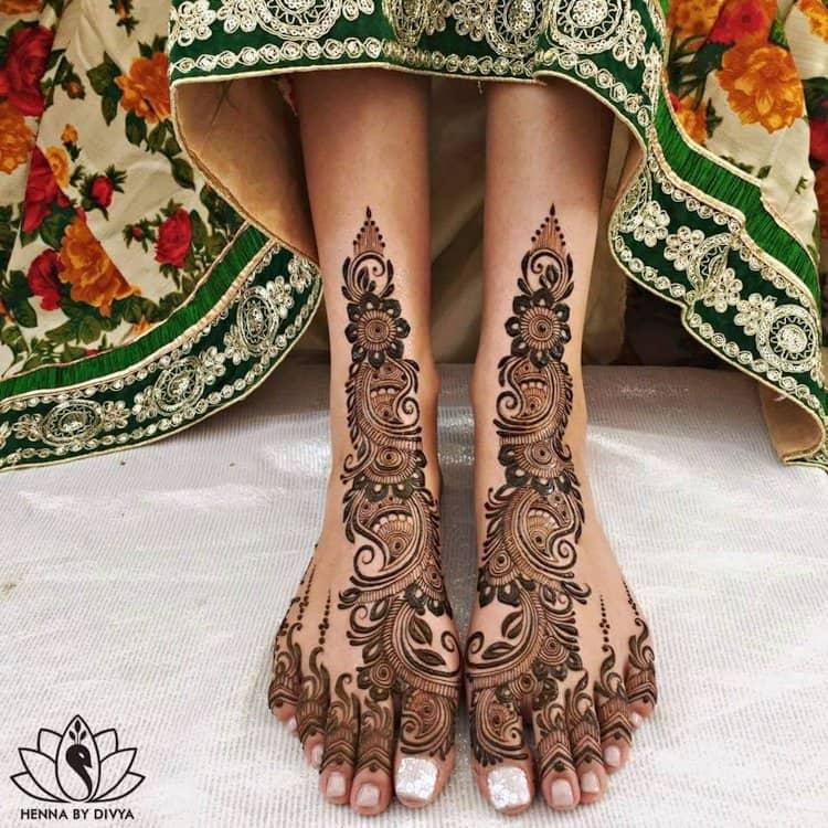 easy mehandi designs for leg