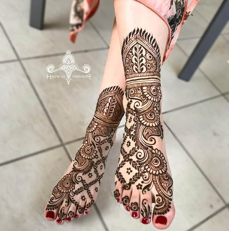 Top 111 Evergreen And Simple Mehndi Designs For Legs Foot