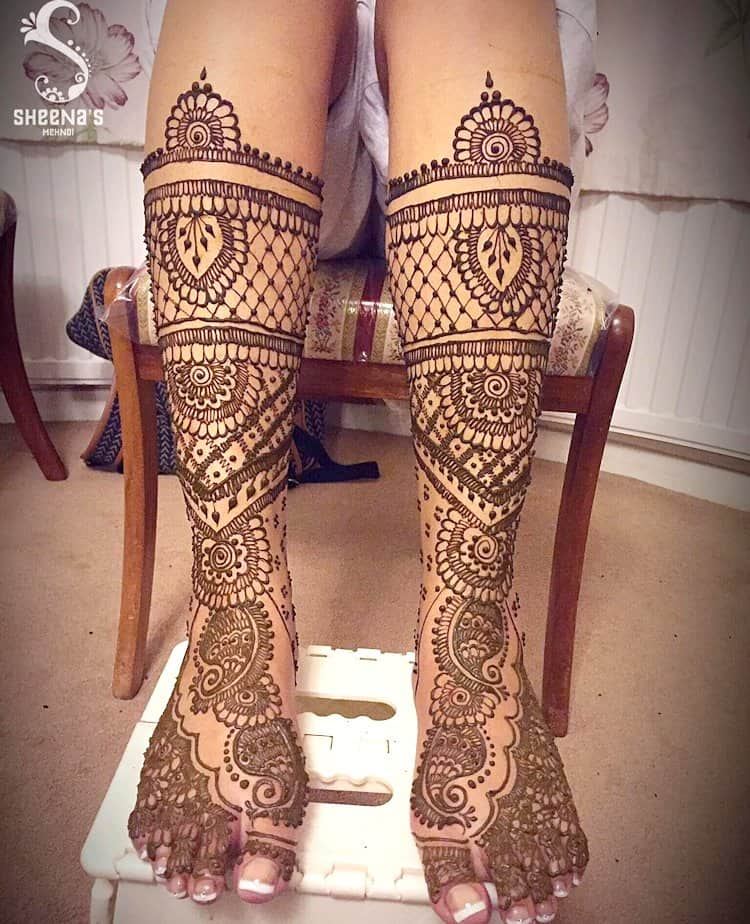 Traditional mehndi designs for Feet