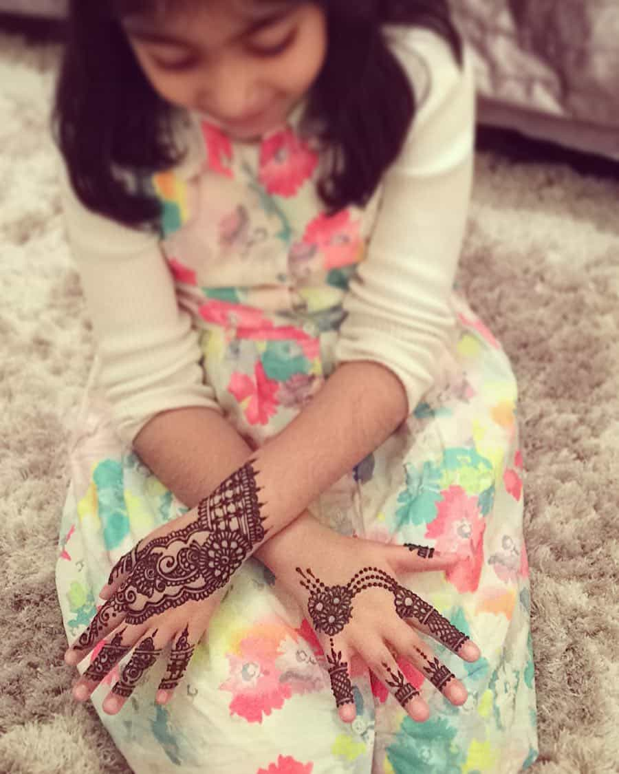 mehndi designs easy and simple for kids
