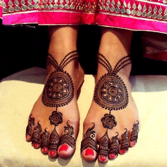 circular henna designs