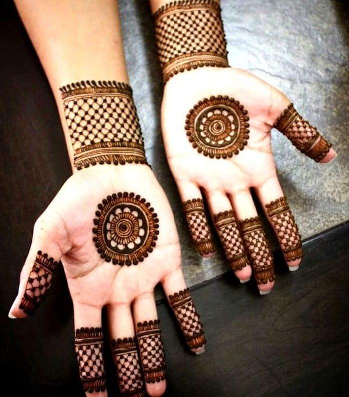latest Circular Mehndi Designs